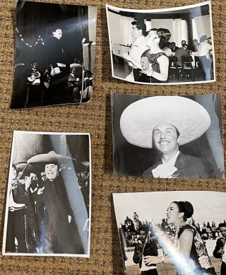 MARIACHI PHOTOS AND POSTERS.